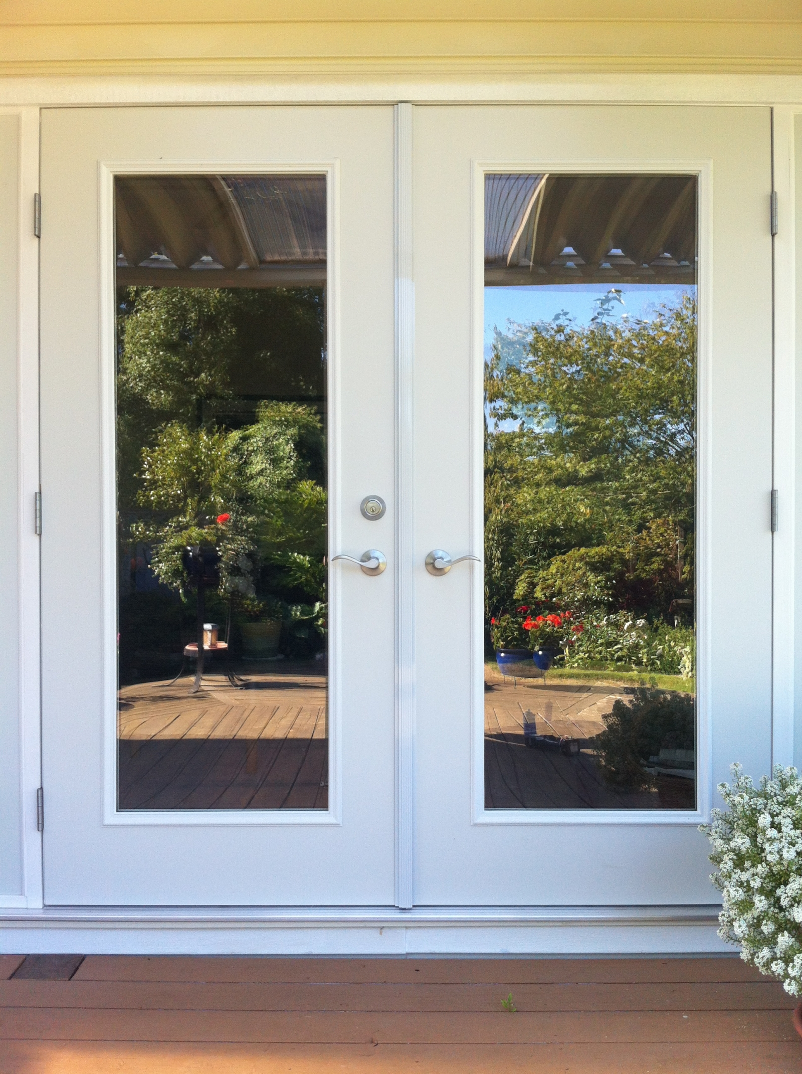 Exterior french patio door home design for Outside doors with glass