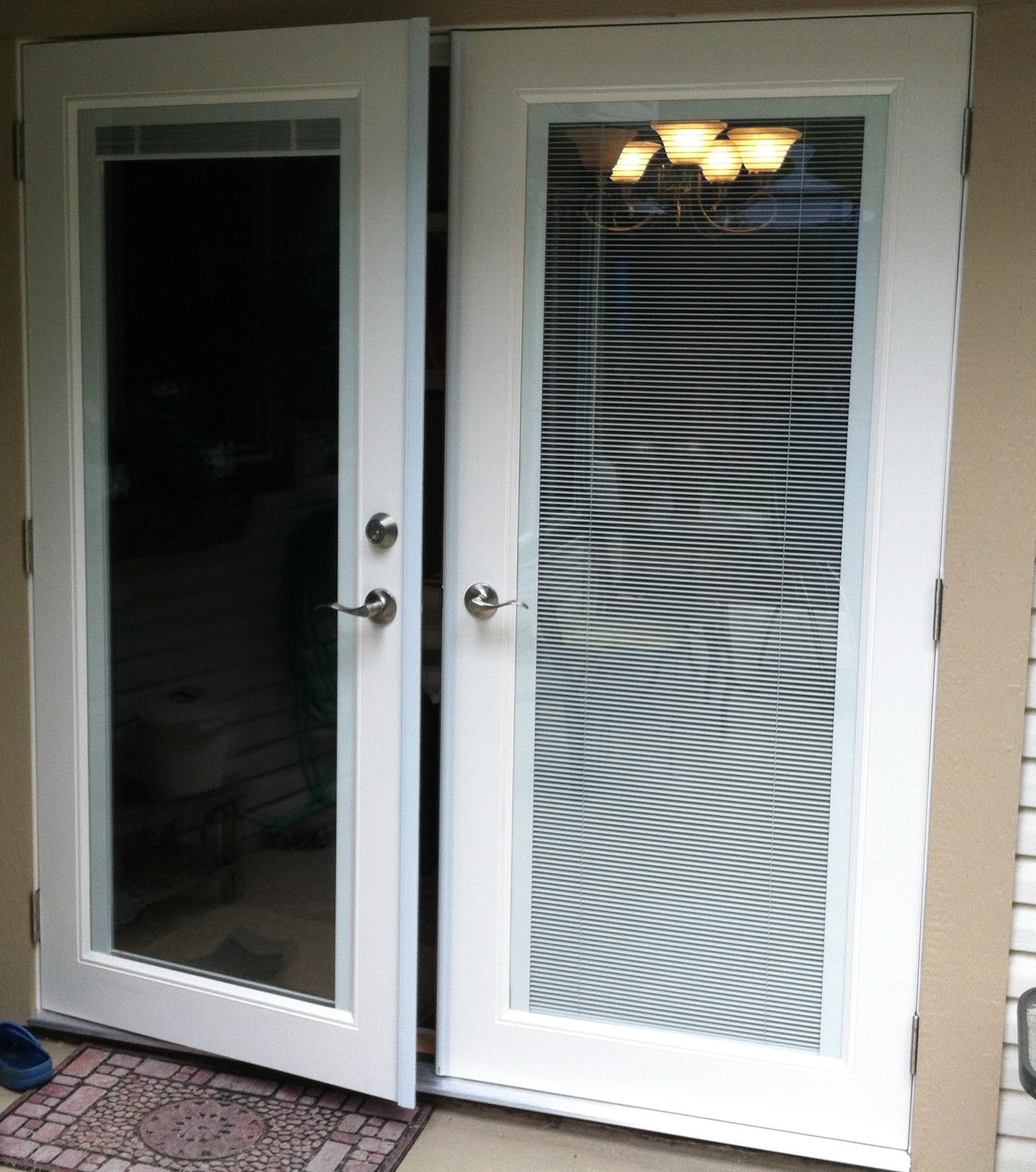 Exterior french doors jeld wen exterior doors jeld wen for Exterior french doors with side windows